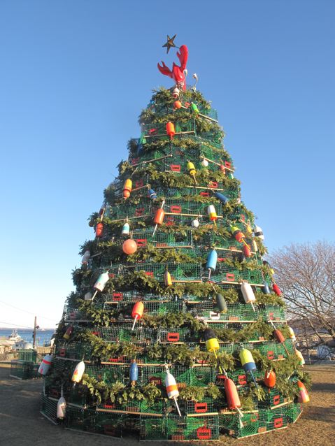 Rockland's 2009 lobster trap Christmas tree – Maine Travel Maven