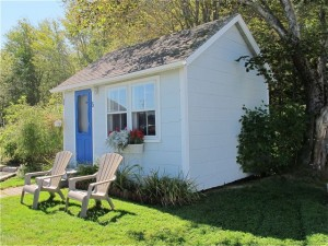 Clean, comfy, and cheap: The Isleview Motel & Cottages are a good choice for those seeking unfussy rooms within easy driving (or shuttle) distance of Acadia National Park. Hilary Nangle photo.