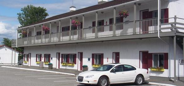 Ask for a room with a view of Acadia's mountains at the Acadia Sunrise Motel, a wallet-friendly accommodation in Trenton, Maine. Courtesy image