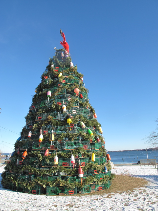 Wood versus metal: Maine's lobster trap Christmas trees | Maine Travel Maven