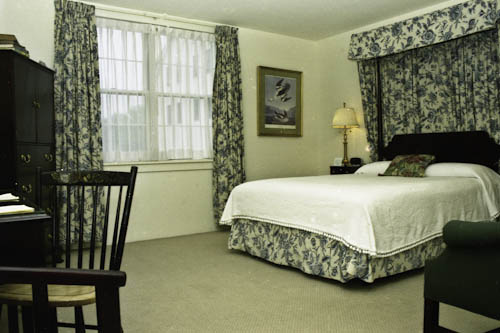 Travelers with mobility issues will find a warm welcome and accessible rooms at the HArraseeket Inn, in Freeport, Maine, Charles Pannell photo.